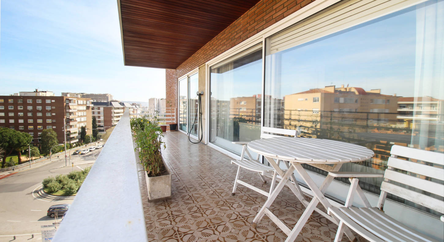 Flat with big balcony in Barcelona